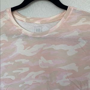 Pretty pink camo tee NWT